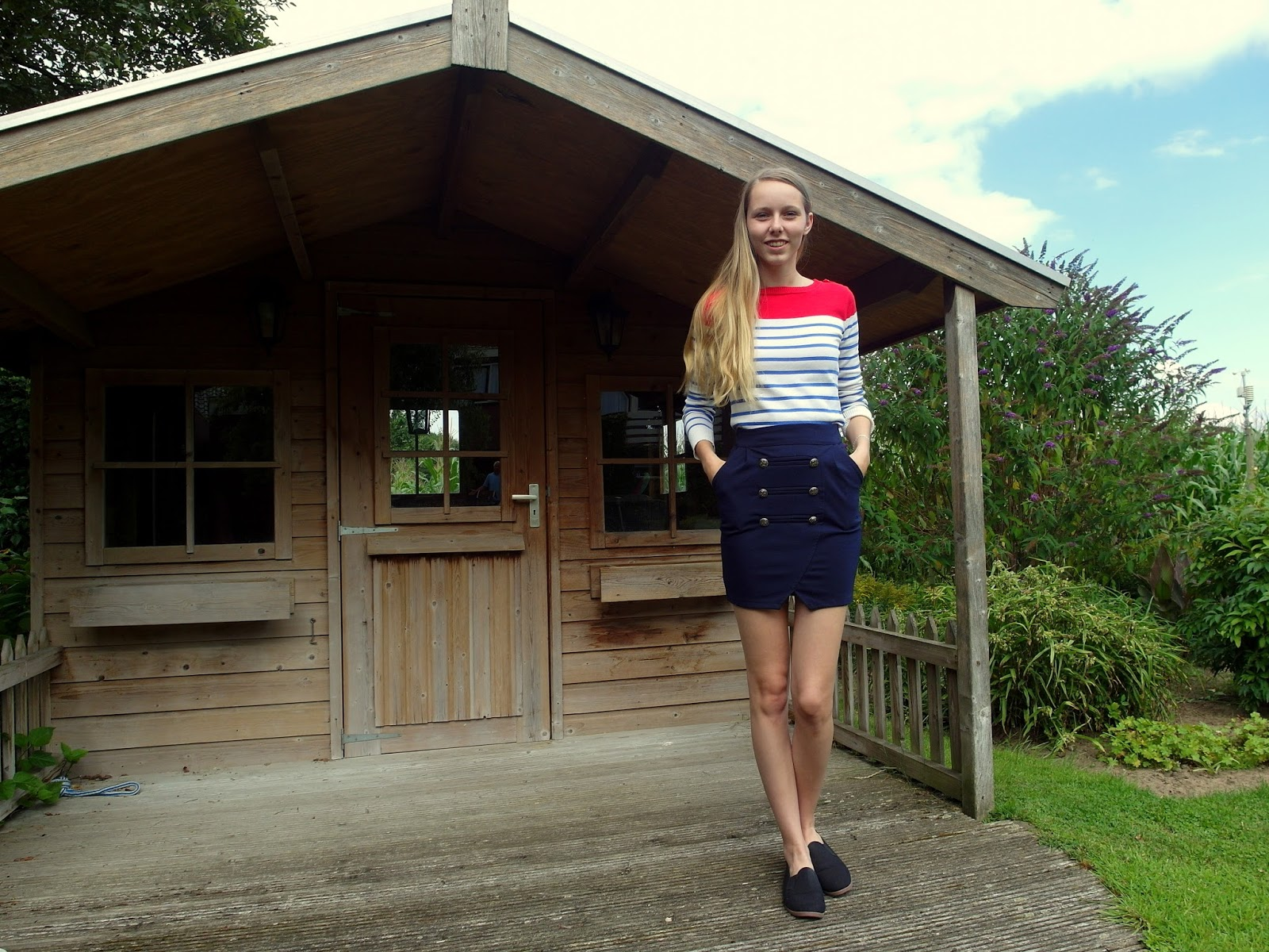 Outfit | The navy skirt