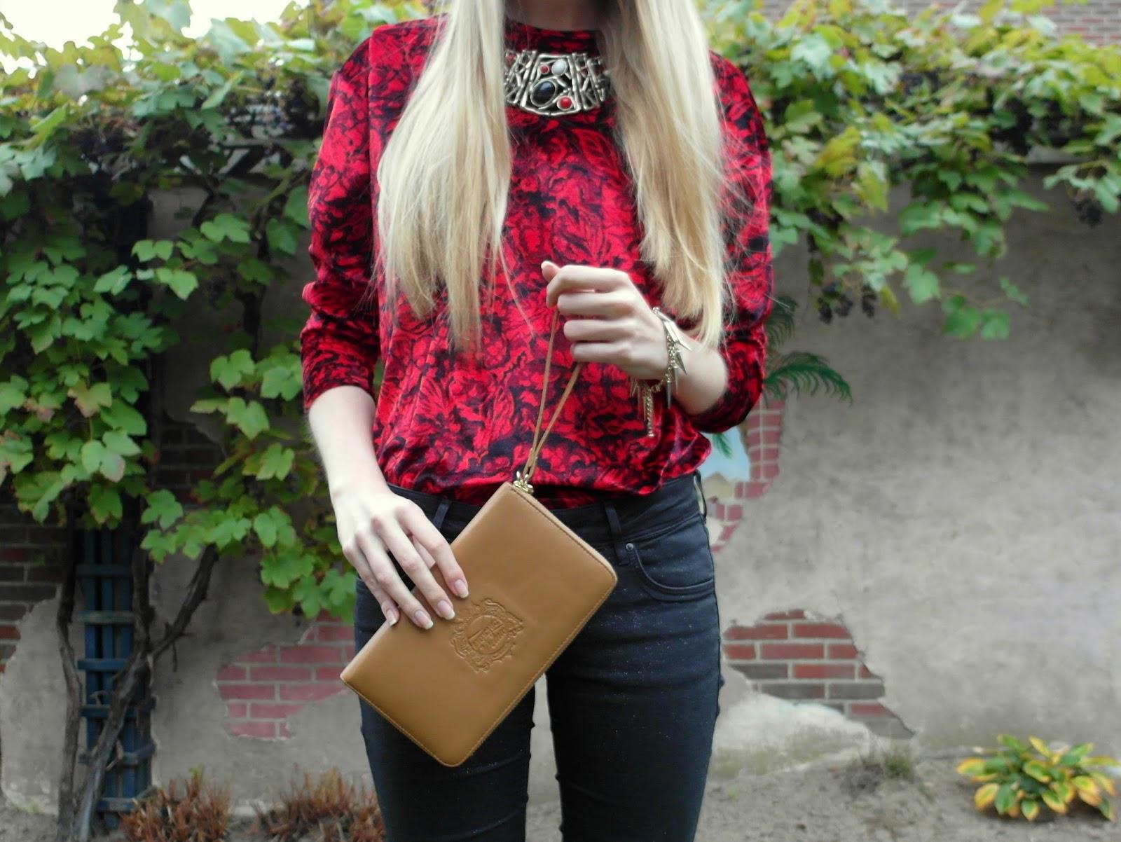 Antichic portemonnee cognac bruin fluwelen truitje outfit inspiratie