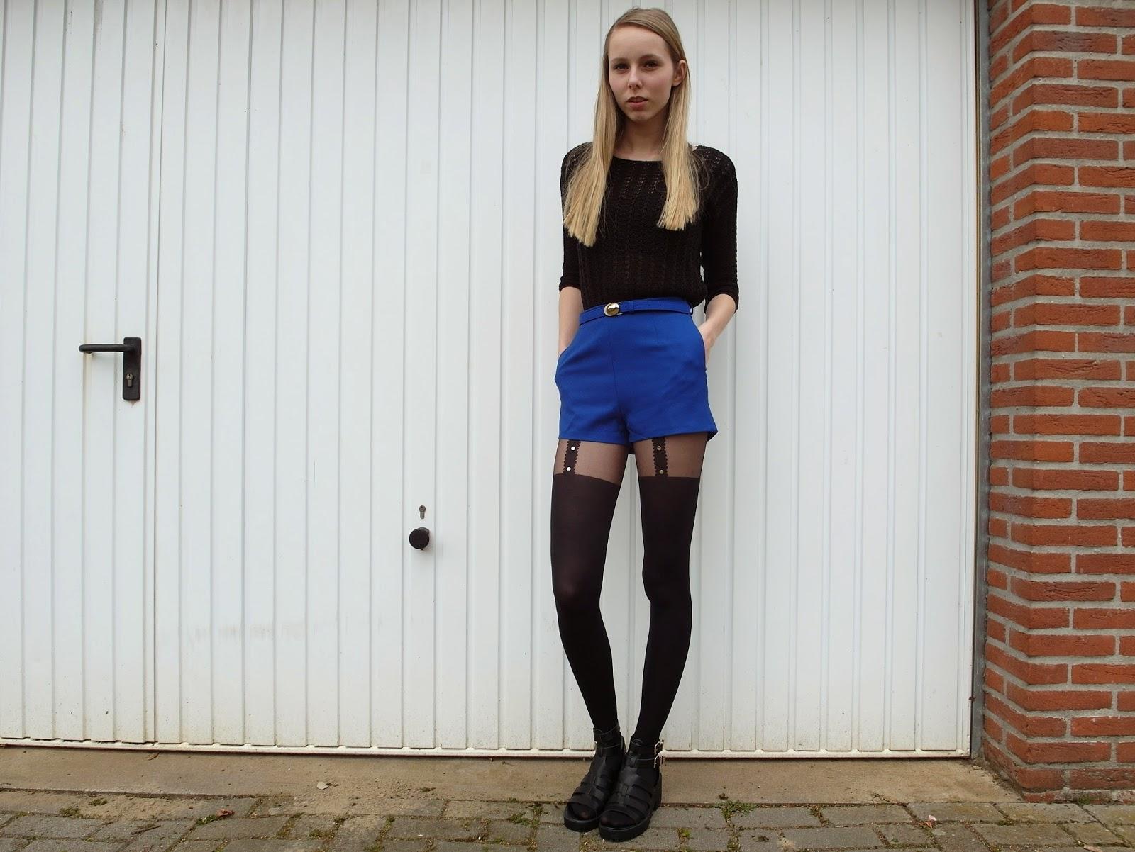 Blauwe shorts met panty eronder Kenzaa webshop Primark sandalen overknee sokken outfit inspiratie