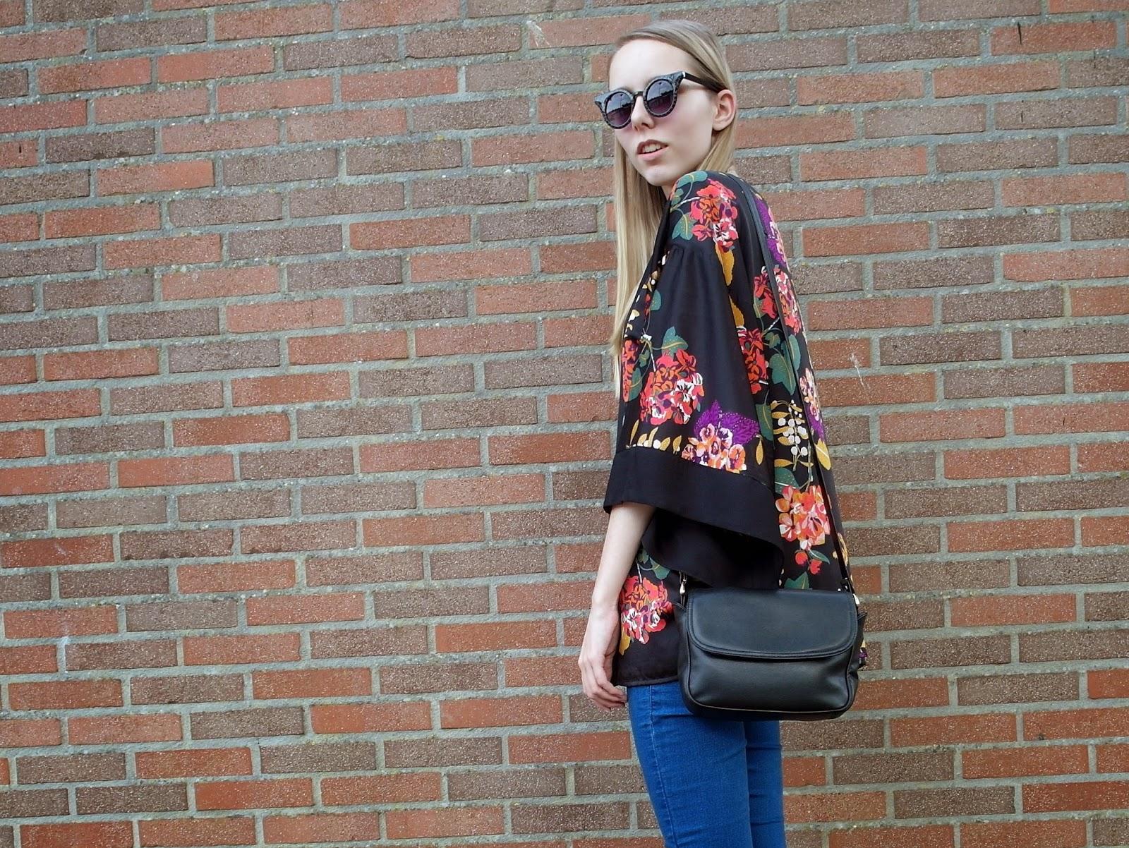 Korte kimono bloemen H&M gebloemde blouse outfit inspiratie