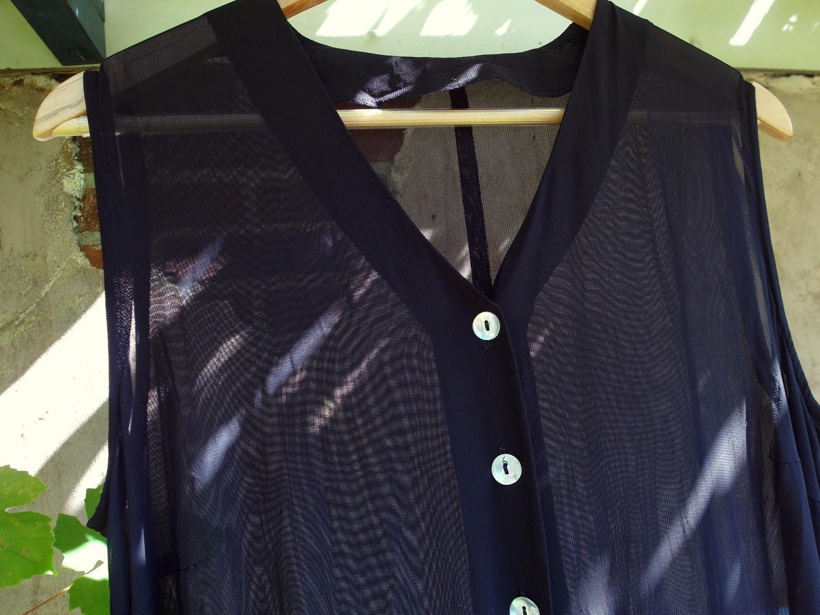Tweedehands mode blog vintage tweede hands kleding outfit inspiratie lange doorzichtige blouse