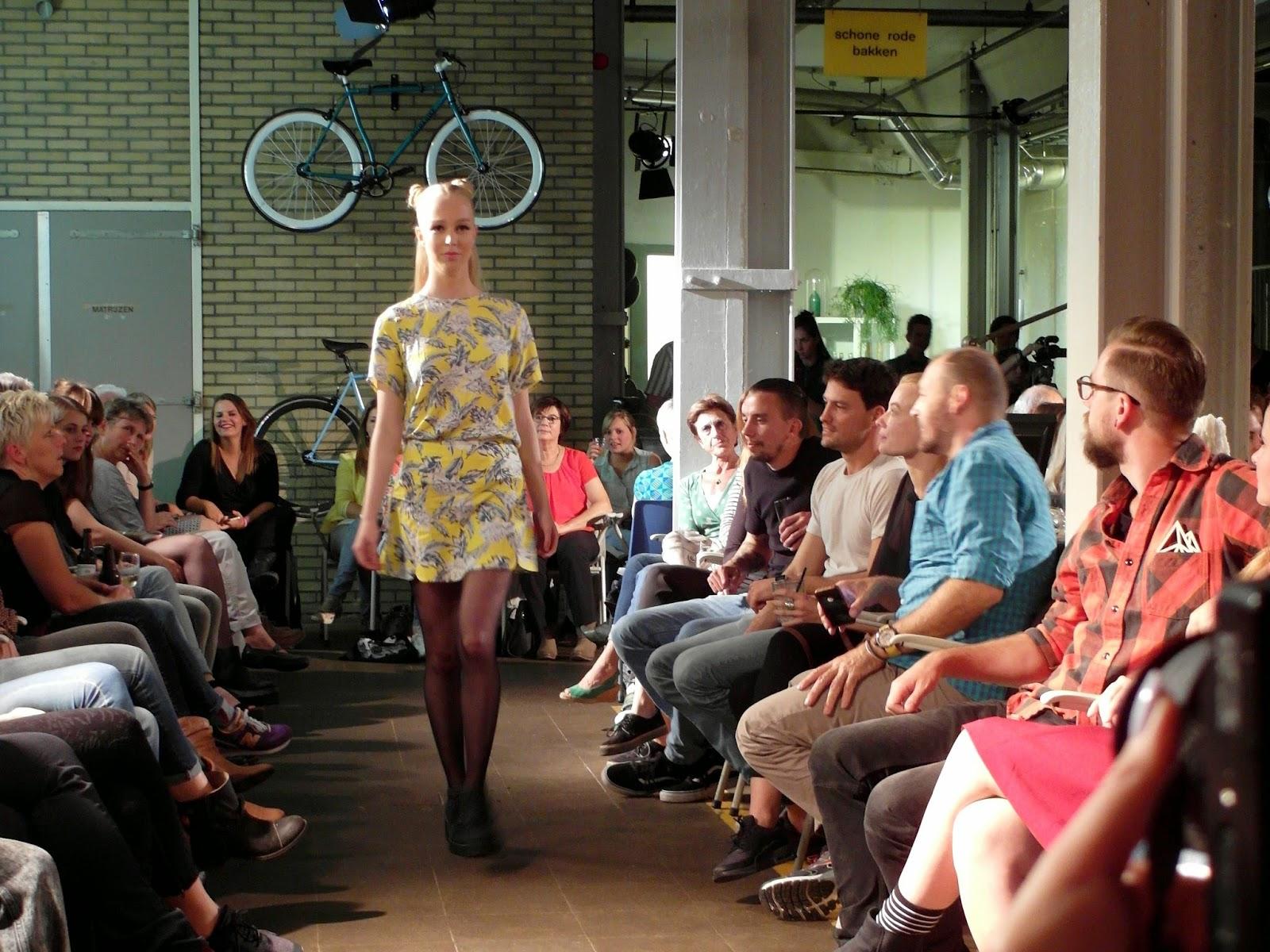 Modeshow van Porch People & Make My Day in restaurant de Meesterproef