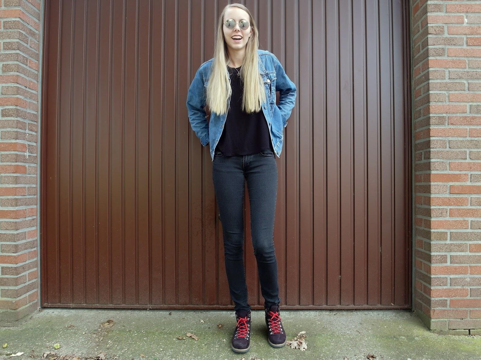 Tweedehands mode blog vintage kleding outfit inspiratie oversized spijkerjasje ronde zonnebril retro stijl