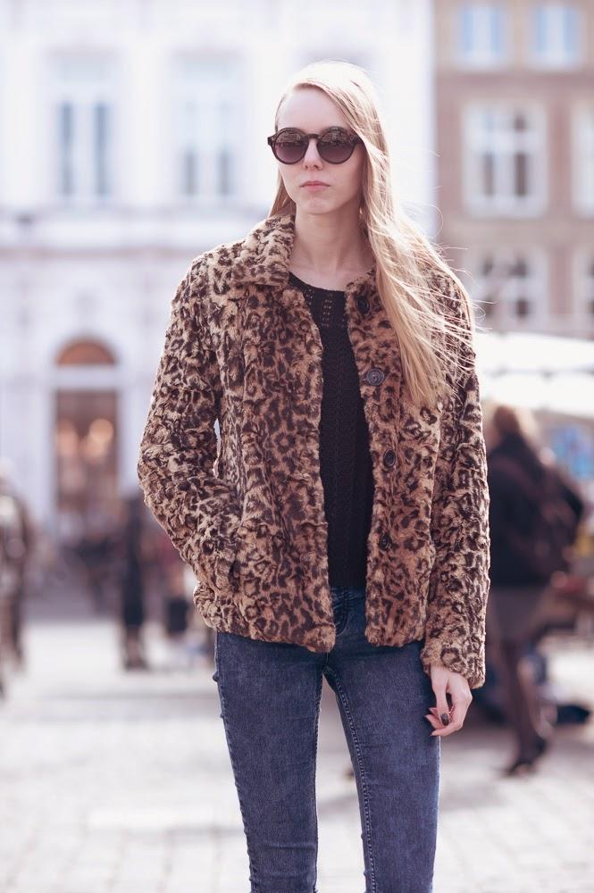 Nep bontjas panterprint fluffy jas leopard print winterjas faux fur Den Bosch fotoshoot mode blogger Mark Koolen fotografie