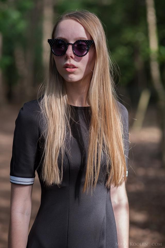 skater jurkje zwarte kleding in zomer nederlandse mode blogger outfit inspiratie slip on sneakers
