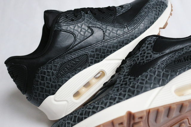 New in | Nike Air Max 90 PRM