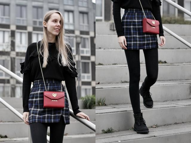 Make people stare zwarte Timberland boots etrias blogger outfit geruite rokje