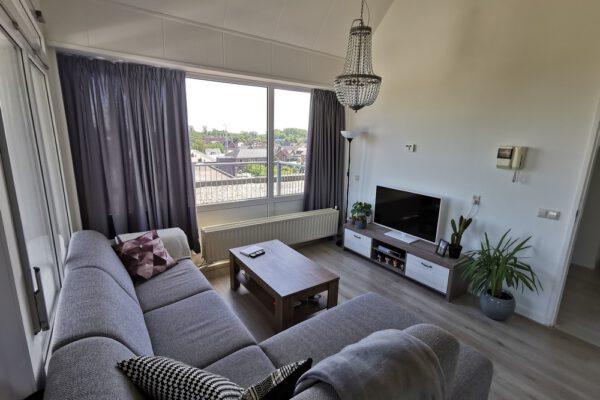 Interior | Raamdecoratie voor een moderne woonkamer