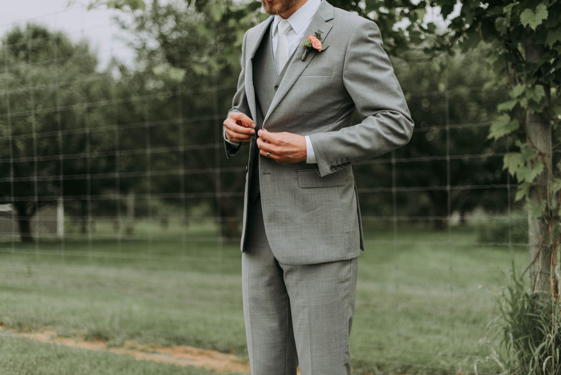 Tips om het perfecte trouwpak te kopen bruiloft outfit vrouwenpak trouwpakken voor vrouwen trouwerij pak